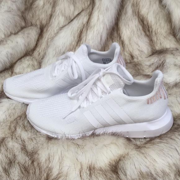 صنادل يرجى الملاحظة دواء Adidas Swift Run White Womens Outofstepwineco Com
